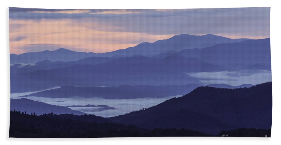 Applachian Mountains Hand Towel featuring the photograph Cloudy Sunrise by Maria Struss