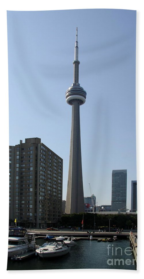 Toronto Waterfront Bath Sheet featuring the photograph C N Tower Toronto by Christiane Schulze Art And Photography