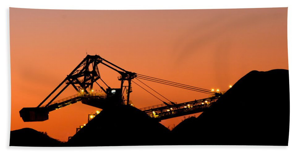 Hunter Bath Sheet featuring the photograph Coal Loader by Nicholas Blackwell