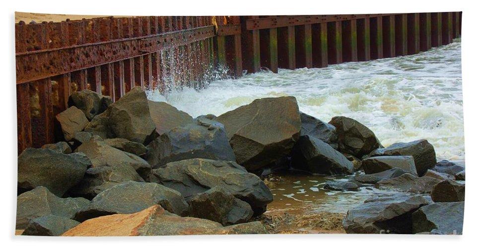 Water Bath Towel featuring the photograph Coast Of Carolina by Debbi Granruth