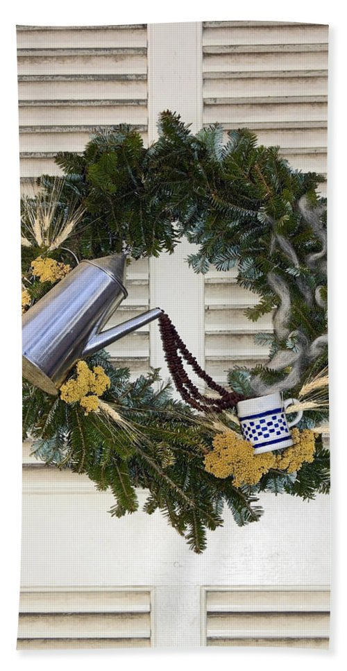 Evergreen Wreath Bath Sheet featuring the photograph Coffee Wreath by Sally Weigand