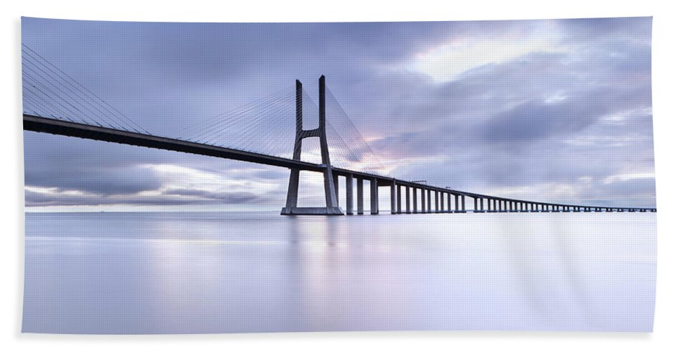 Lisbon Hand Towel featuring the photograph Cold by Jorge Maia