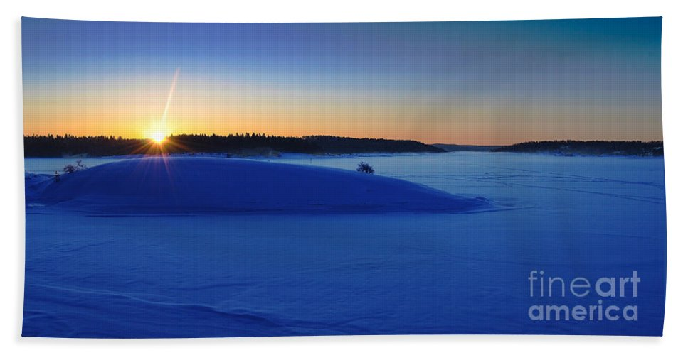 Sunrise Hand Towel featuring the photograph Cold Silence.. by Nina Stavlund
