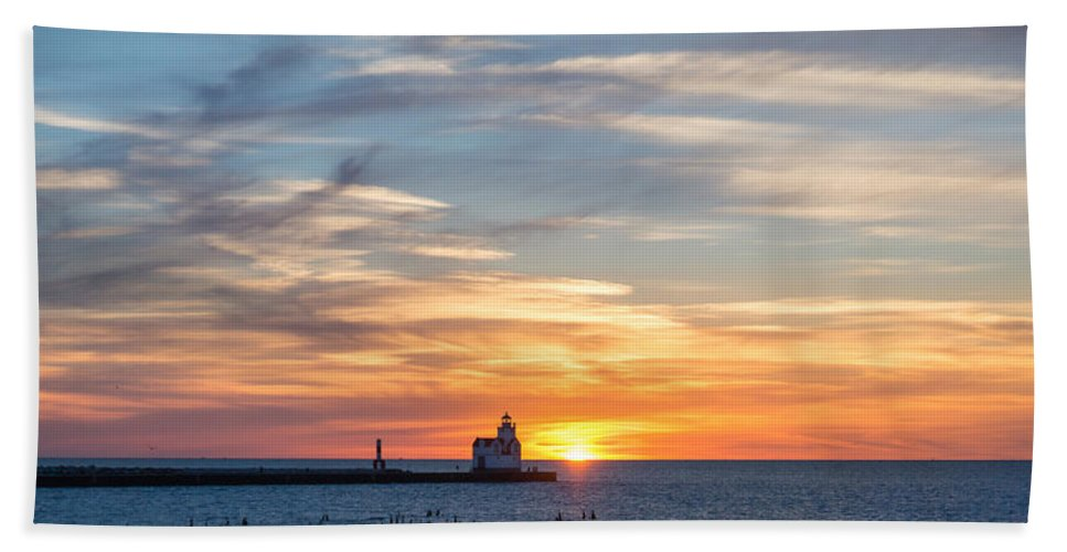 Lighthouse Bath Sheet featuring the photograph Colors Of Calm by Bill Pevlor