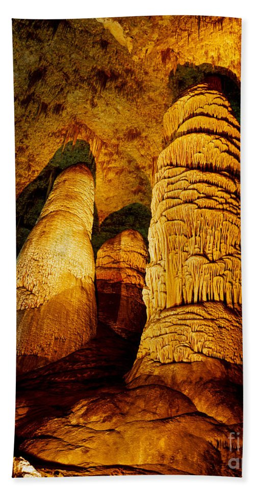 Carlsbad Caverns Hand Towel featuring the photograph Dome And Column by Tracy Knauer