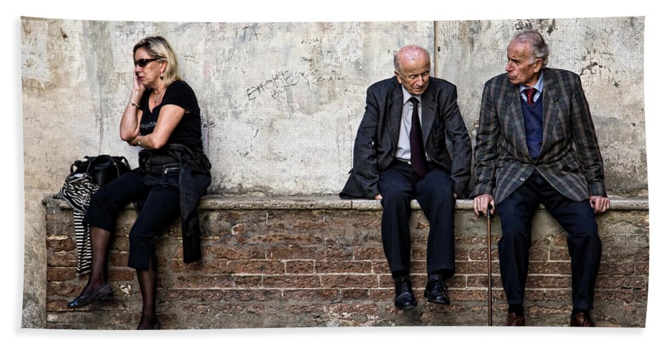 Street Photography Bath Sheet featuring the photograph Communication by Dave Bowman