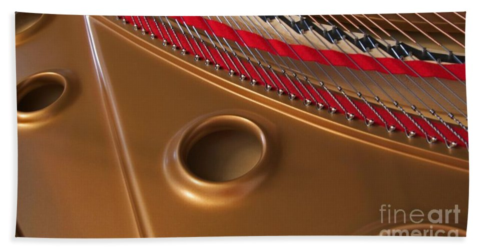 Piano Bath Towel featuring the photograph Concert Grand by Ann Horn