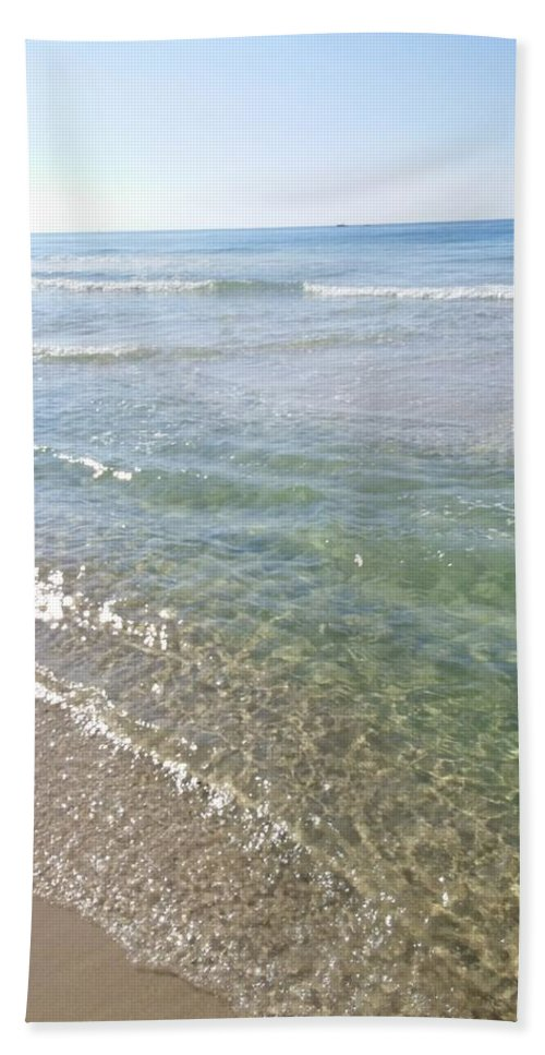 Water Bath Sheet featuring the painting Cool Waters by Earnestine Clay