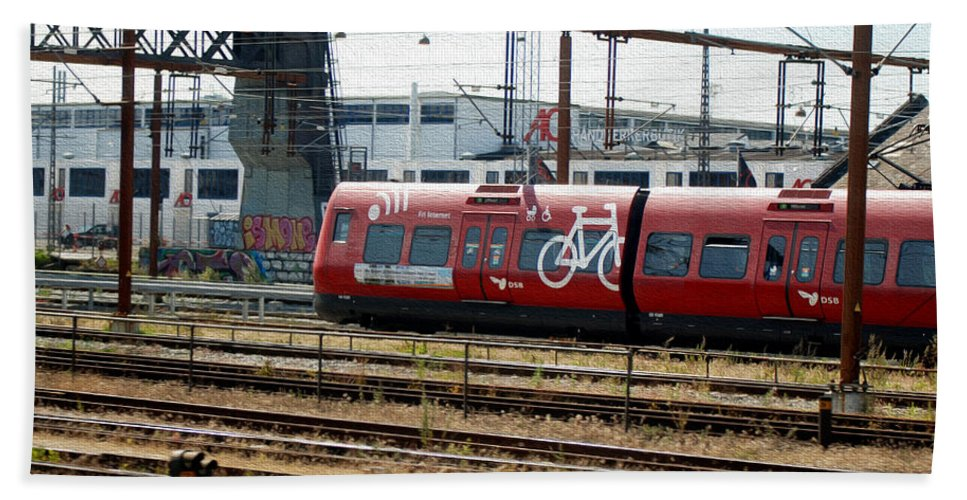 Copenhagen Hand Towel featuring the photograph Copenhagen Commuter Train by Tracy Winter