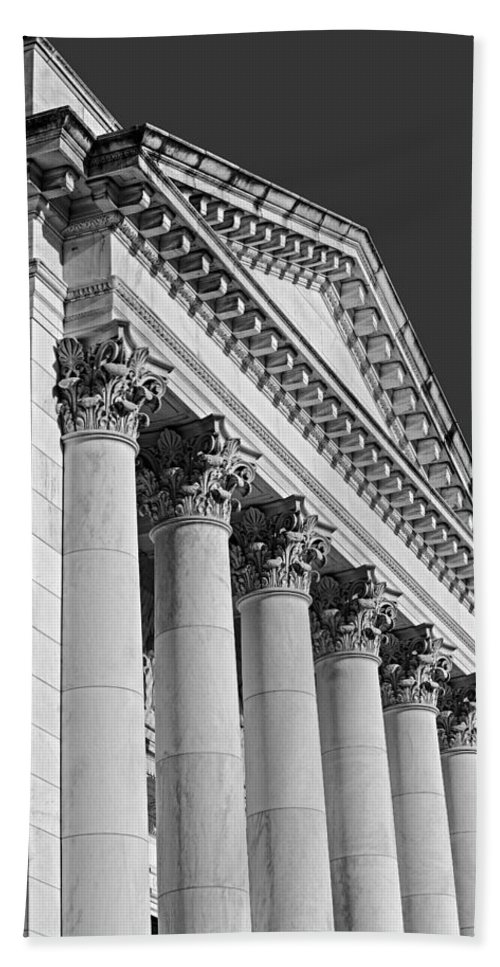 Arlington Hand Towel featuring the photograph Corinthian Columns Bw by Susan Candelario