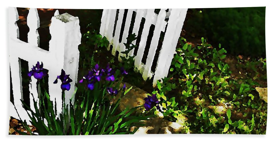 City Hand Towel featuring the photograph Cottage Entry by Chris Berry