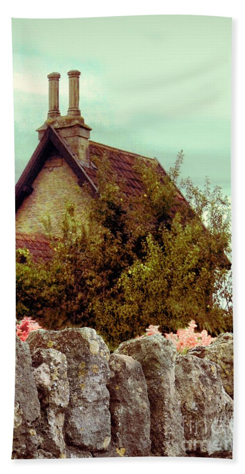 Wall Hand Towel featuring the photograph Cottage Seen Over A Wall by Jill Battaglia