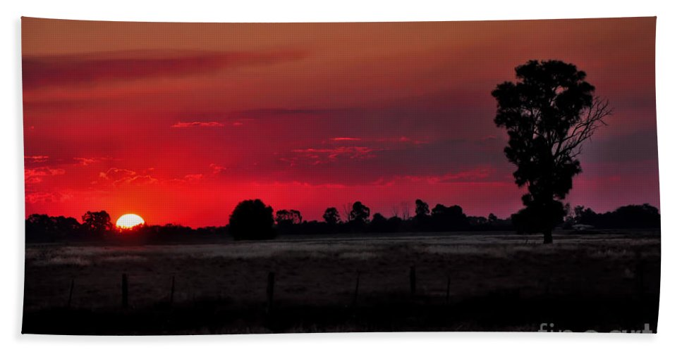 Photography Bath Sheet featuring the photograph Country Sunset by Kaye Menner