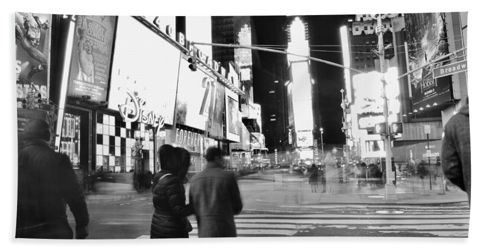Couple Hand Towel featuring the photograph Couple In Times Square by Wayne Schmitt