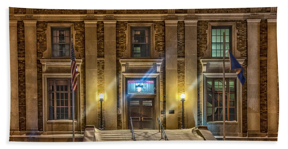 Aitkin County Courthouse Hand Towel featuring the photograph Courthouse Steps by Paul Freidlund