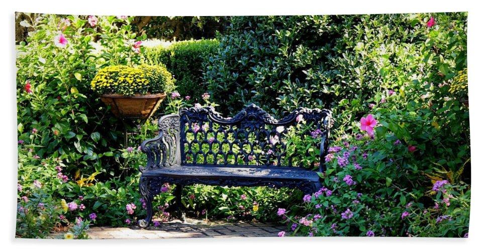 Garden Bath Sheet featuring the photograph Cozy Southern Garden Bench by Carol Groenen