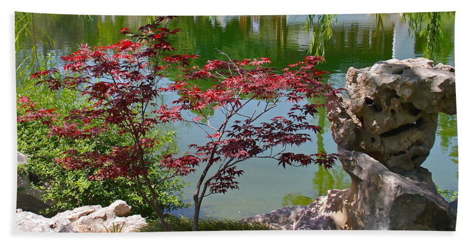 Stone Hand Towel featuring the photograph Crimson Leaves by Denise Mazzocco