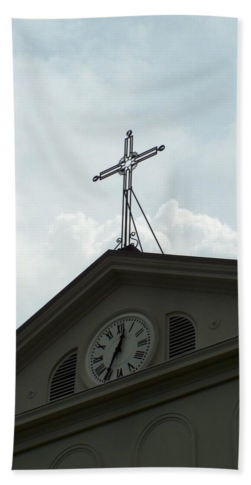 Cross Hand Towel featuring the photograph Crossing Time by Richard Booth