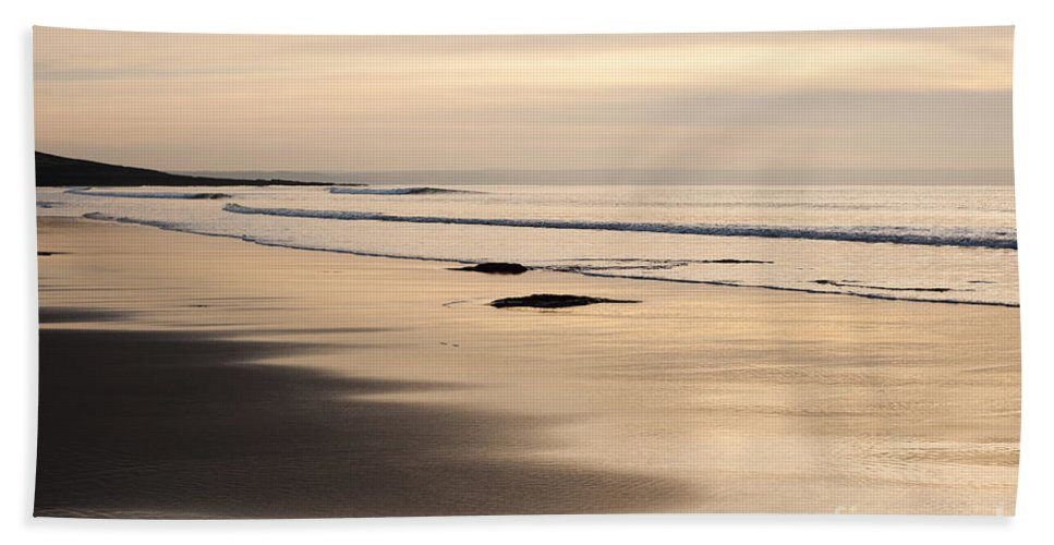 Annegilbert Hand Towel featuring the photograph Croyde At Dusk by Anne Gilbert
