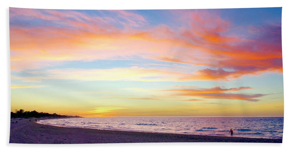 Cuba Hand Towel featuring the photograph Cuban Sunset by Valentino Visentini