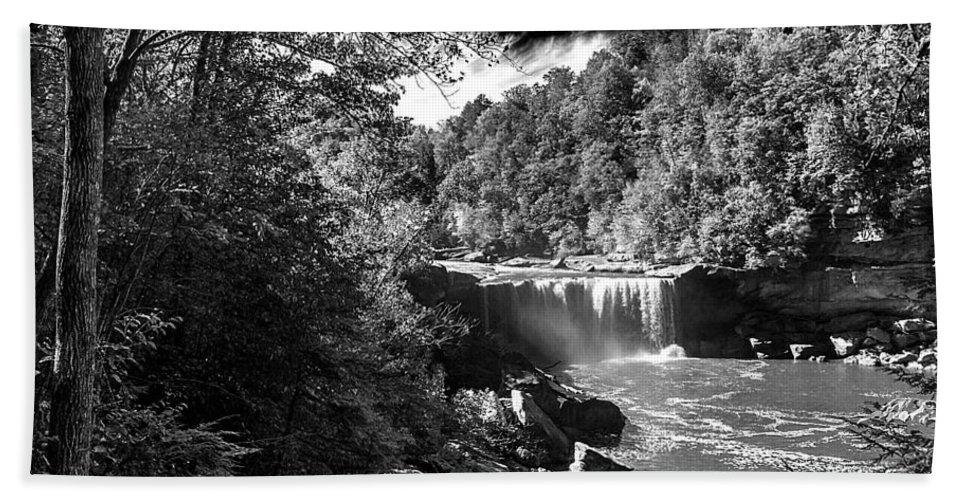 Landscape Hand Towel featuring the photograph Cumberland Falls Seven Bw by Ken Frischkorn