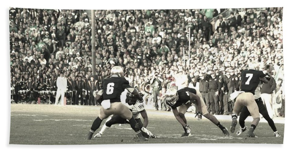 Notre Dame Vs Wake Forest College Football Hand Towel featuring the photograph Cutback by Michael Cressy