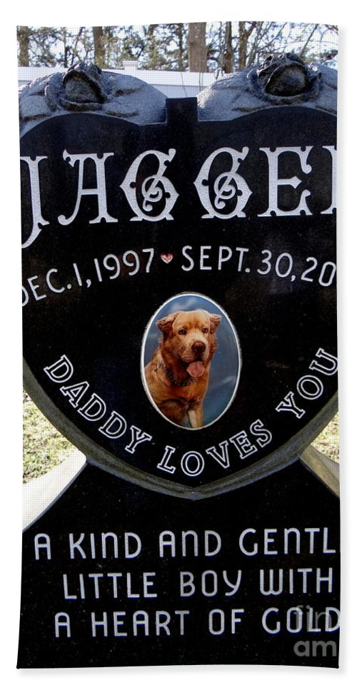 Tombstone Hand Towel featuring the photograph Daddy Loves You by Ed Weidman