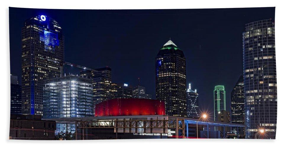 Dallas Bath Sheet featuring the photograph Dallas Skyline Arts District At Night by Jonathan Davison