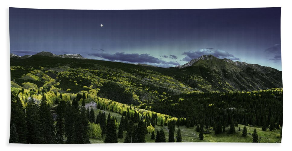 Landscape Hand Towel featuring the photograph Dark Beauty by Bill Sherrell