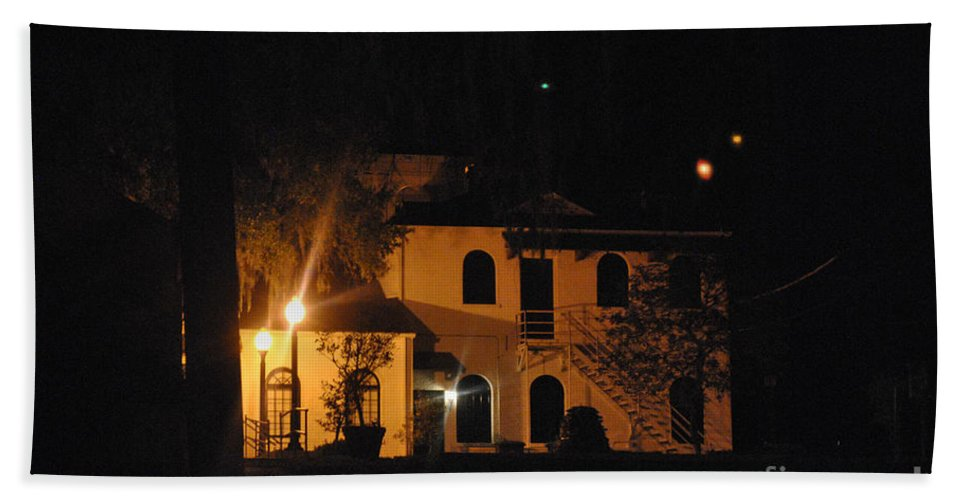 Davenport Hand Towel featuring the photograph Davenport At Night by George D Gordon III