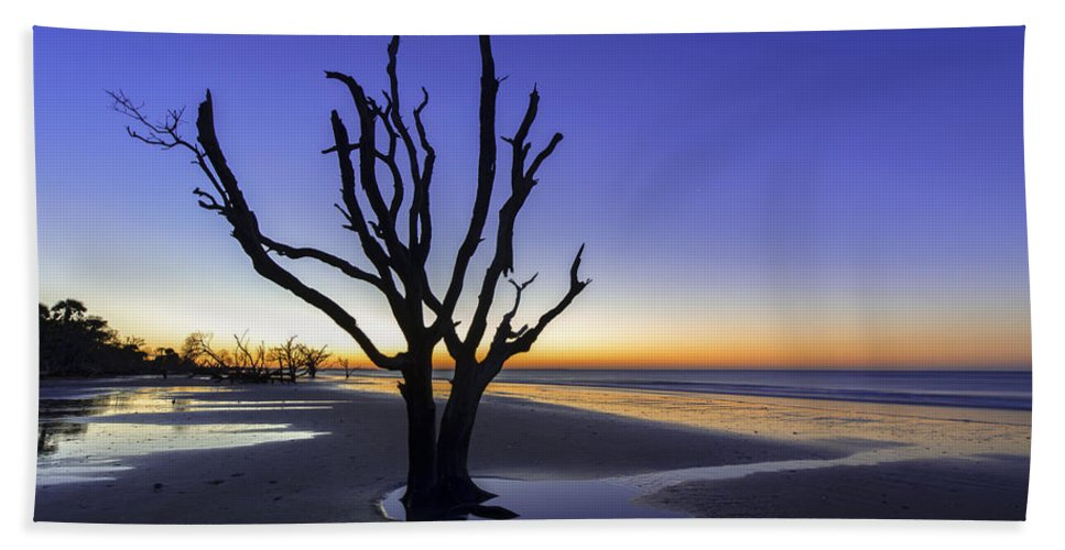 South Carolina Hand Towel featuring the photograph Dawn by Dustin LeFevre