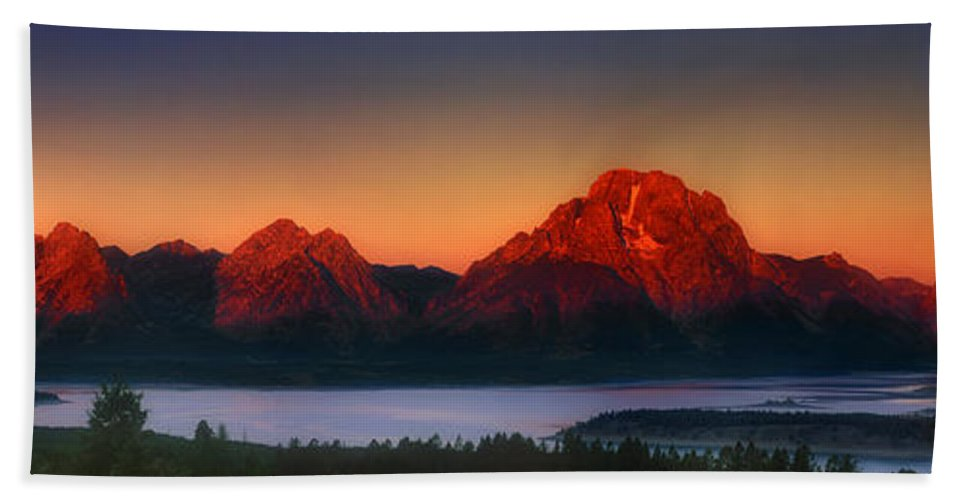 Wyoming Landscape Bath Sheet featuring the photograph Dawn Light On The Tetons Grant Tetons National Park Wyoming by Dave Welling