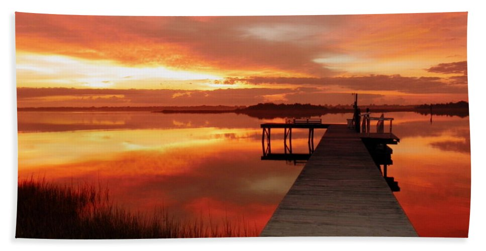 Orange Waterscapes Bath Towel featuring the photograph Dawn Of New Year by Karen Wiles