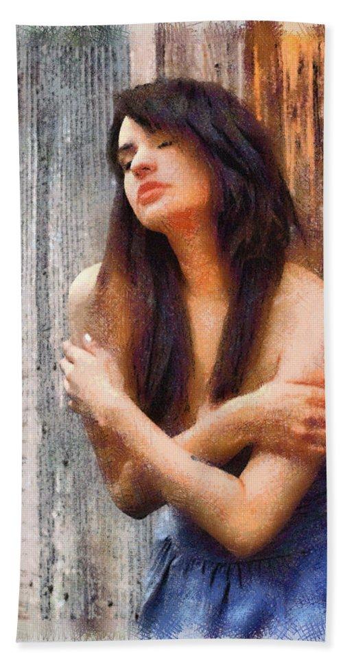 Daydream Hand Towel featuring the photograph Daydream - Pastels by John Dauer