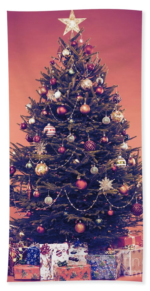Decorated Vintage Christmas Tree With Presents Under It Bath Towel