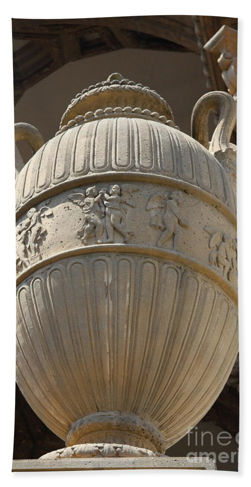 Palace Of Fine Arts Bath Sheet featuring the photograph Decorative Urn - Palace Of Fine Arts Sf by Christiane Schulze Art And Photography