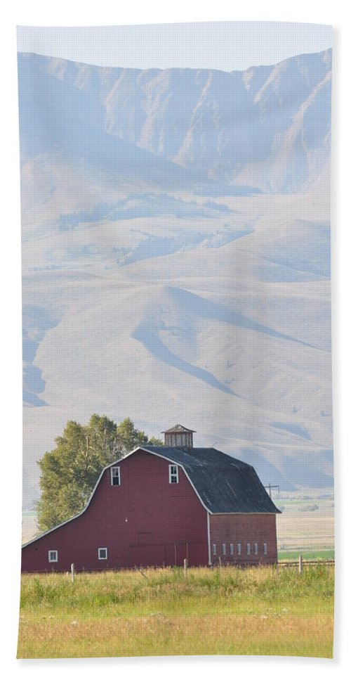 Dell Bath Sheet featuring the photograph Dell Montana Barn II by Image Takers Photography LLC