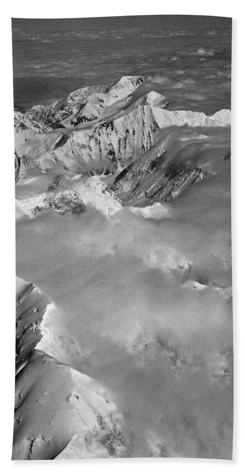 North America Hand Towel featuring the photograph Denali ... by Juergen Weiss