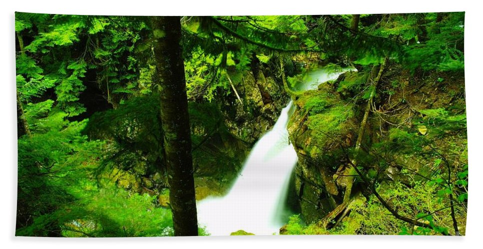Water. Waterfalls Bath Sheet featuring the photograph Denny Camp Falls by Jeff Swan