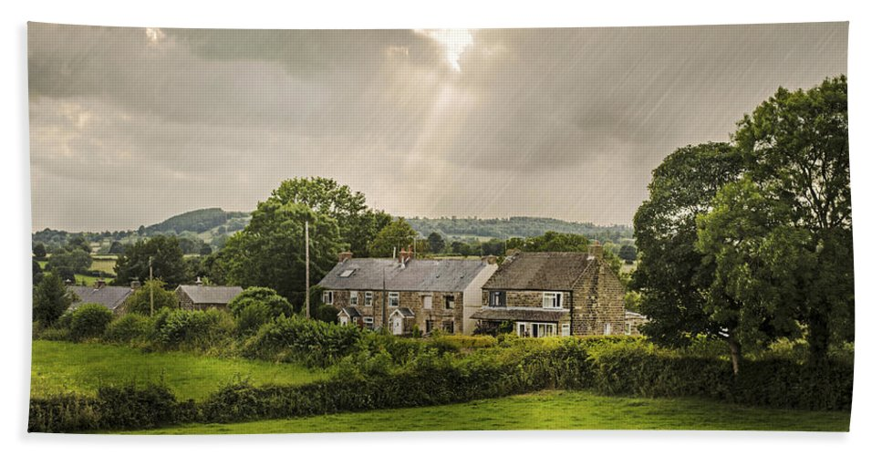 Cottage Hand Towel featuring the photograph Derbyshire Cottages by Amanda Elwell