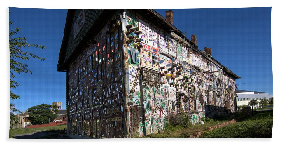 Detroit�s Africa Town Hand Towel featuring the photograph Detroit Africa Town - African Bead Museum #2 by Paul Cannon