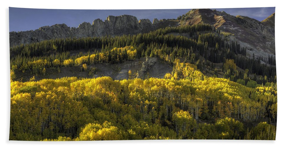 Landscape Hand Towel featuring the photograph Dinosaur Back Autumn by Bill Sherrell