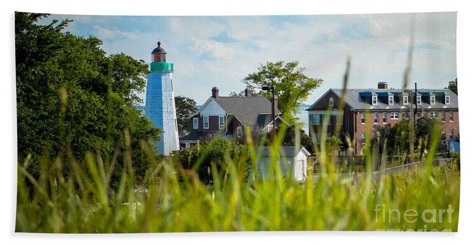 Light House Hand Towel featuring the photograph Distant Light House by Wesley Farnsworth