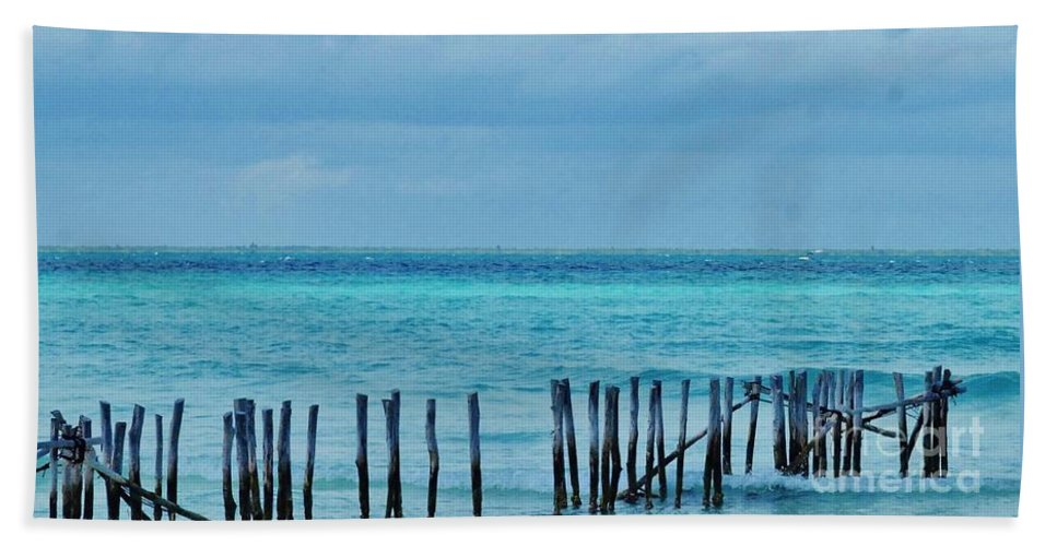 Kerisart Hand Towel featuring the photograph Distant Shore by Keri West