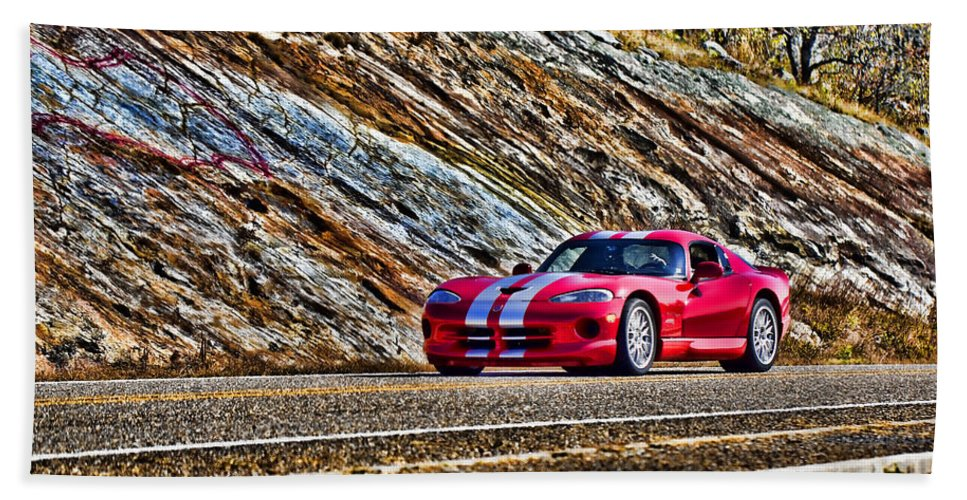 Chevy Corvette Bath Sheet featuring the photograph Dodge Viper V1 by Douglas Barnard