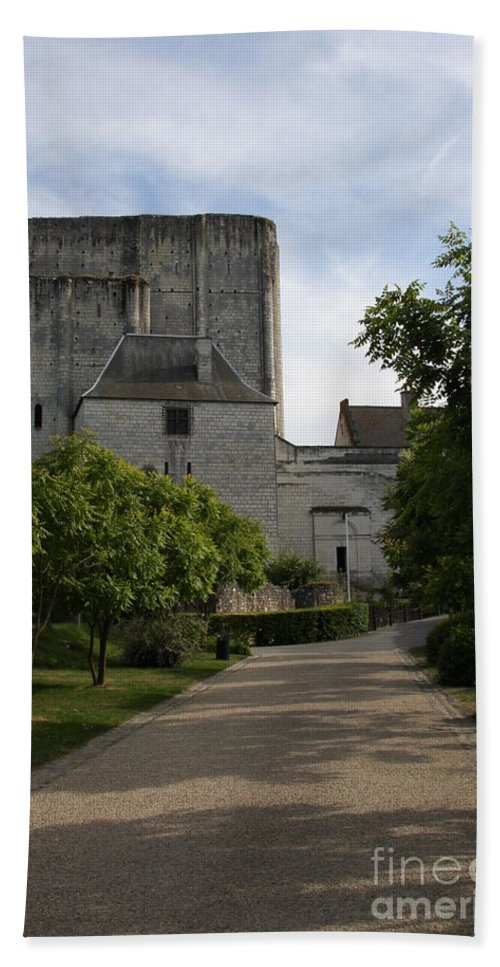 Donjon Bath Sheet featuring the photograph Donjon Loches - France by Christiane Schulze Art And Photography