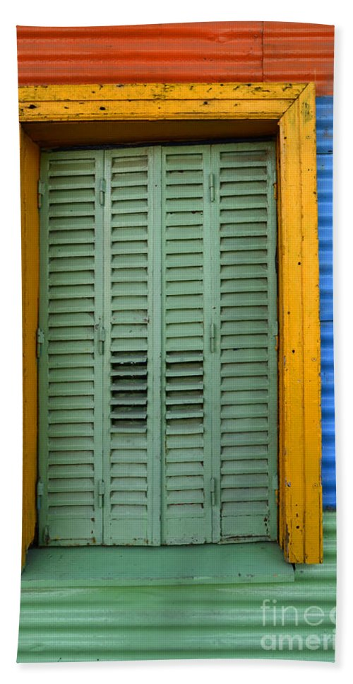 Door Bath Sheet featuring the photograph Doors And Windows Buenos Aires 14 by Bob Christopher