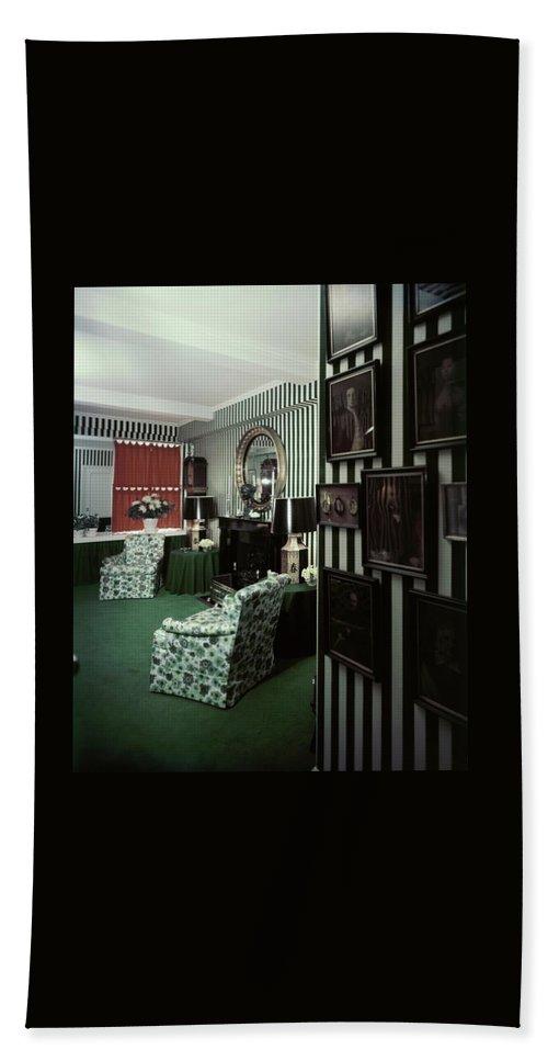 Indoors Bath Towel featuring the photograph Dorothy Draper's Study by Pedro E. Guerrero
