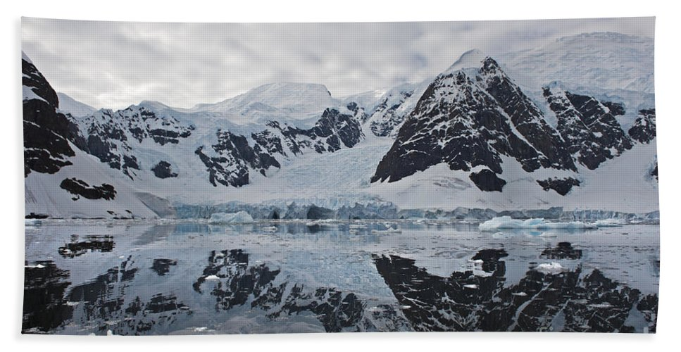 Festblues Hand Towel featuring the photograph Doubleup... by Nina Stavlund