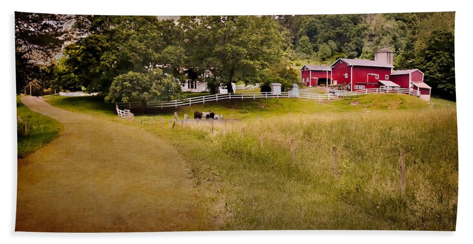 New England Farm Hand Towel featuring the photograph Down On The Farm by Bill Wakeley